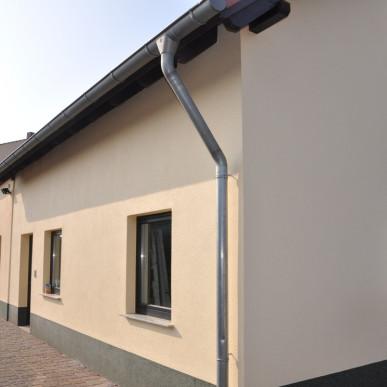 Fassadenanstrich und Buntsteinputz